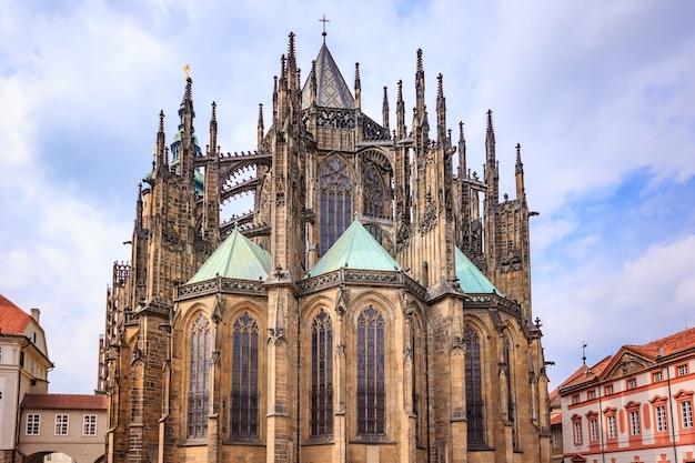 Veitsdom in prag, dies ist ein hervorragendes beispiel für gotische architektur