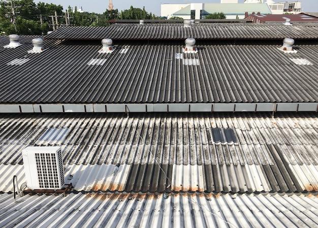 Ventilatoren und kompressor aus metall.