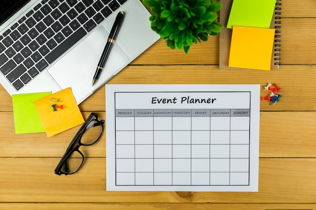 Veranstaltungsplan monatliche durchführung von geschäften oder aktivitäten.