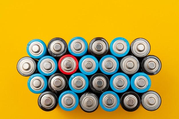 Verbrauchte batterien. abfallsammlung und recycling.