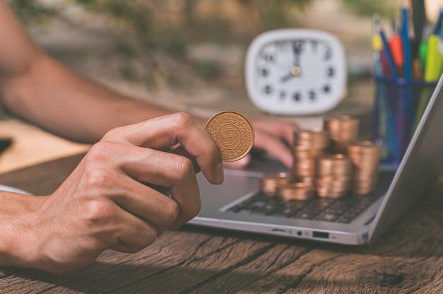 Verdienen sie online geld mit einem notebook