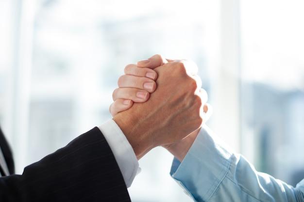 Vereinbarung team freund kragen weiß