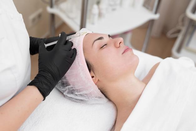 Verfahren der biorevitalisierung im augenbereich mit einem präparat mit hyaluronsäure