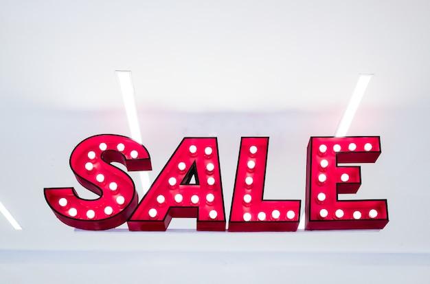 Verkauf lightbox hängt im kaufhaus - verkauf beschilderung
