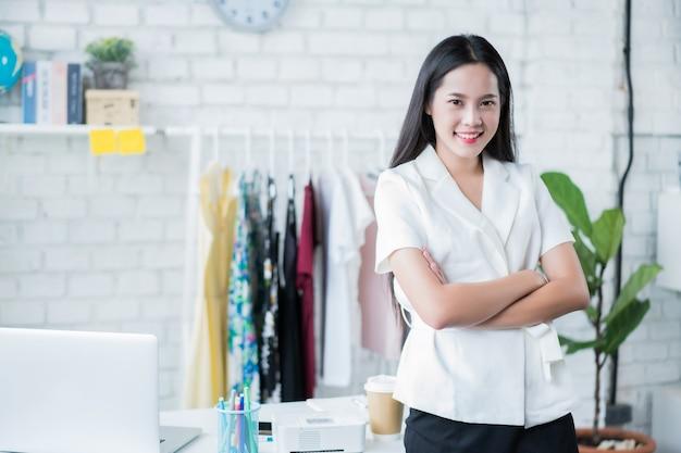Verkauf von online-asian woman special sie ist mit verkaufserfolg zufrieden