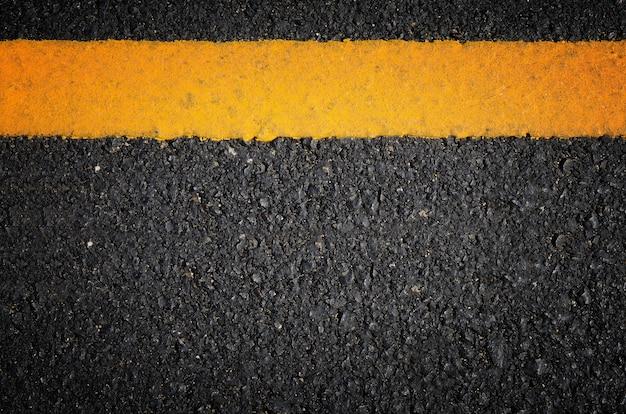 Verkehr auf asphaltierten straßen