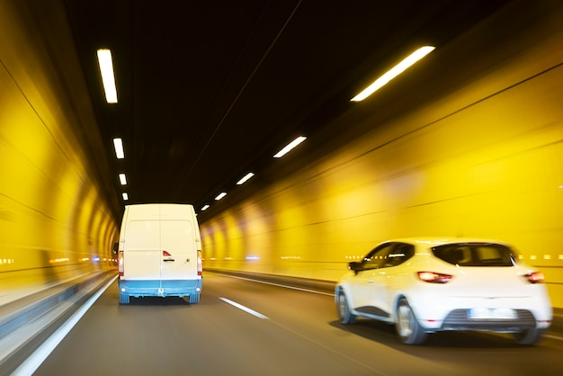 Verkehr durch tunnel, lyon, frankreich