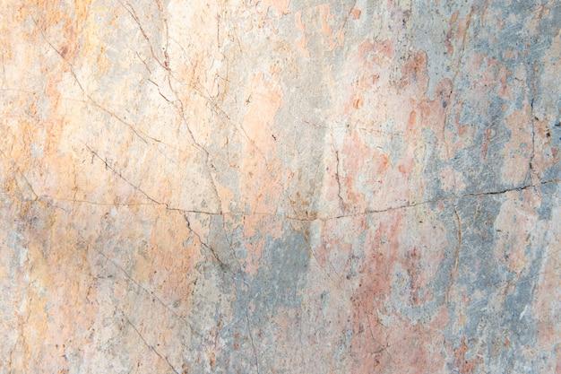 Verkratzte betonmauer