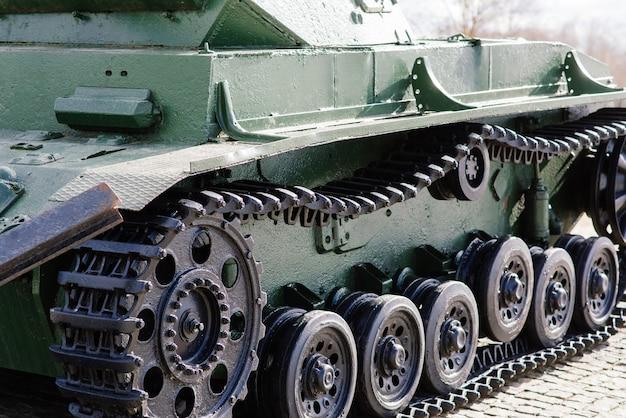 Verlassene deutsche kriegspanzer und ihre details im museum