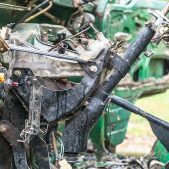 Verlassene fahrzeugkabinen, abgenutzt
