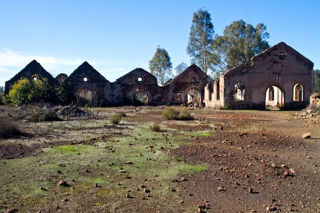Verlassene industrielle bergbauanlage
