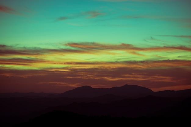 Verlaufsfarben eines erstaunlichen himmels