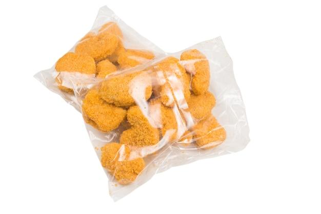 Verpackung leckere nuggets isoliert auf weiß