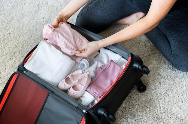 Verpackungs-babymaterial der schwangeren frau für krankenhaus