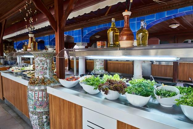Verpflegungsbuffetessen im luxusrestaurant