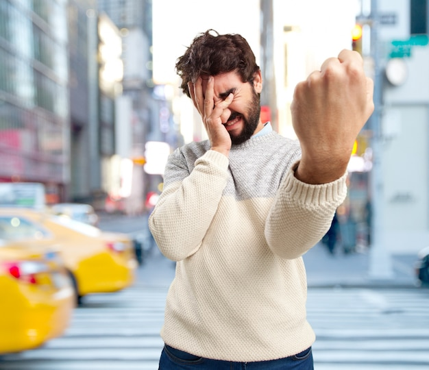 Verrückten mann wütend ausdruck