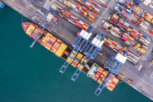 Versandhafen logistik frachttransport import export international open sea