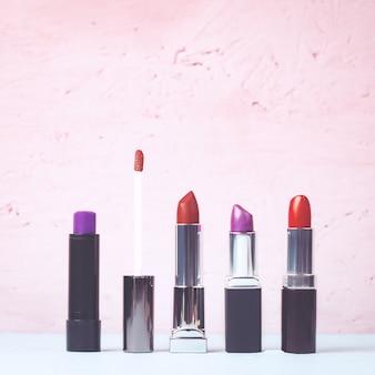 Verschiedene arten von lippenstift zur auswahl