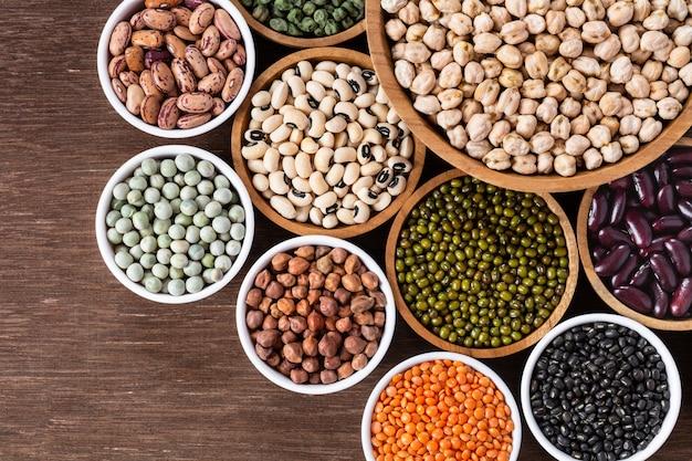 Verschiedene auswahl an indischen hülsenfrüchten