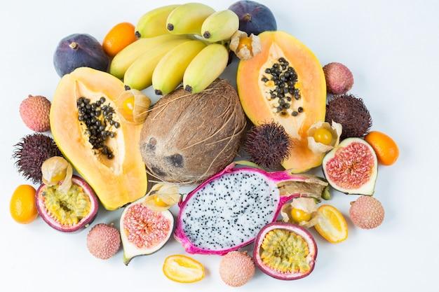 Verschiedene exotische früchte