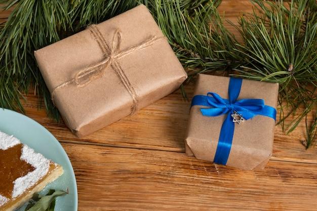 Verschiedene geschenke für ein glückliches chanukka-ereignis