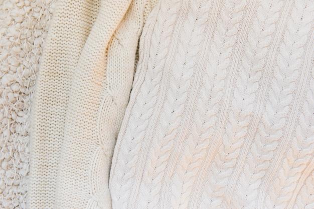 Verschiedene gestrickte texturen in beige farbe