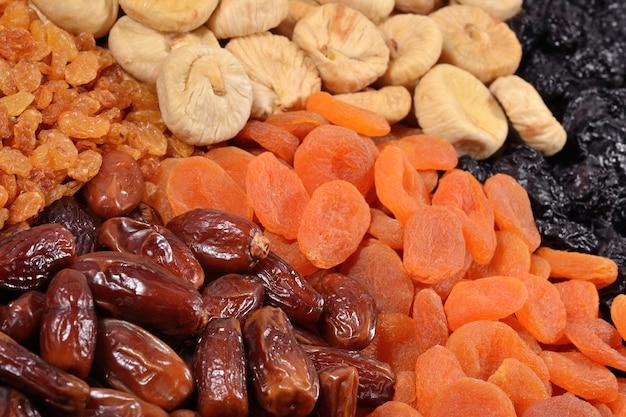 Verschiedene getrocknete früchte hintergrund