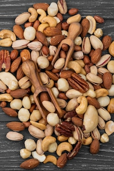 Verschiedene haufen köstlicher nüsse snack