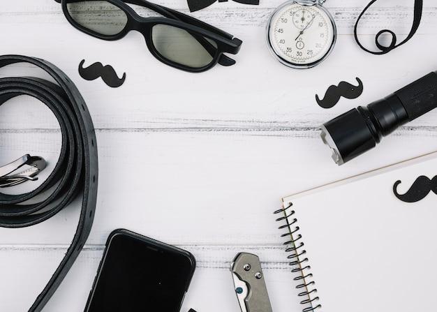 Verschiedene männliche ausrüstungen und zubehör