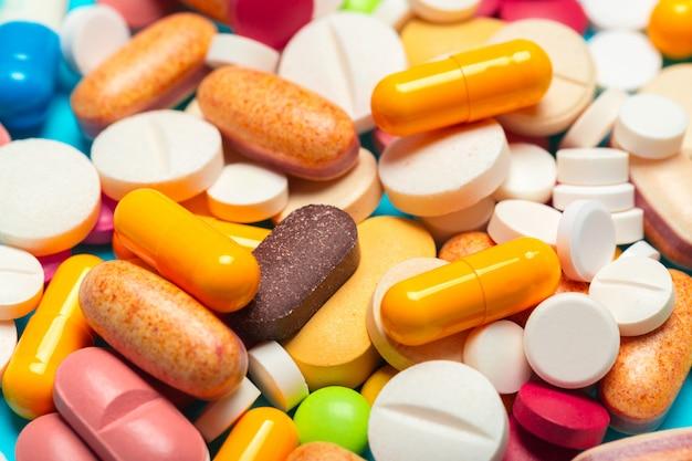 Verschiedene medikamente, pillen, tabletten.