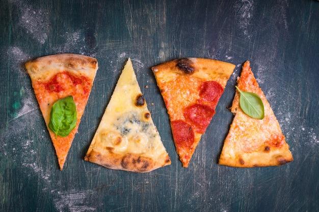 Verschiedene pizzastücke