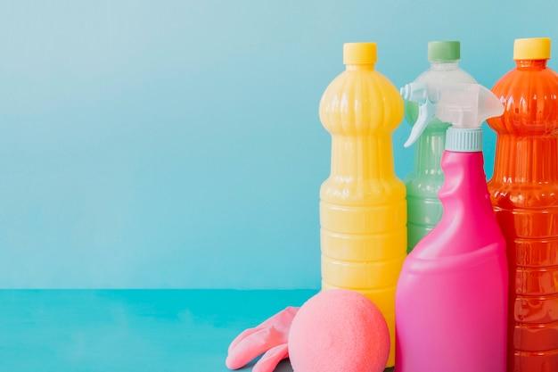 Verschiedene reinigungsmittel