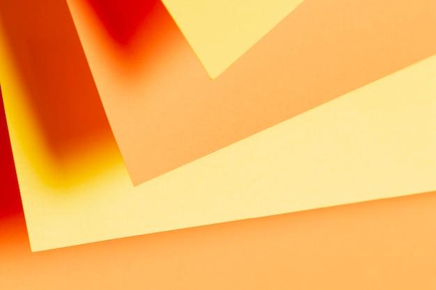 Verschiedene schattierungen von orangefarbenen papieren
