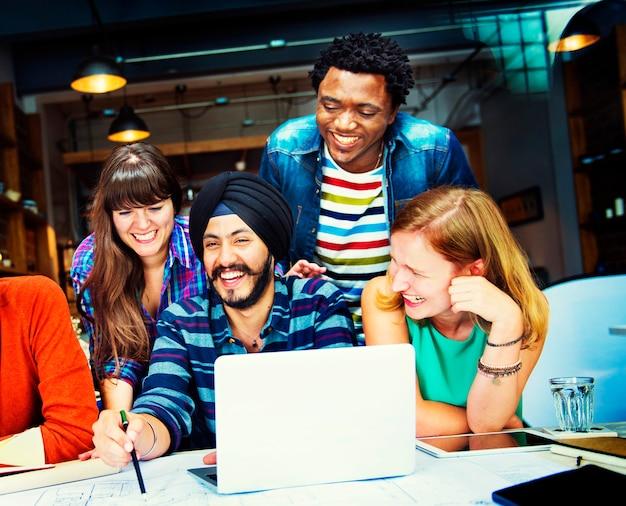 Verschiedenes architekt people group working concept