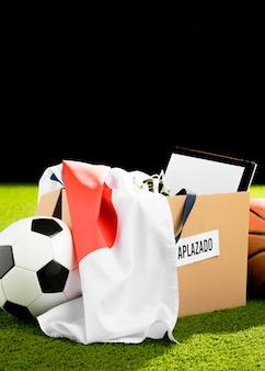 Verschobene sportereignisobjekte im karton