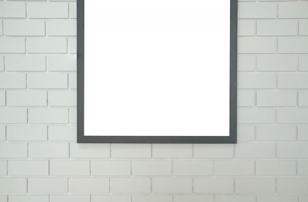 Verspotten sie herauf plakatfotorahmen auf weißer backsteinmauer