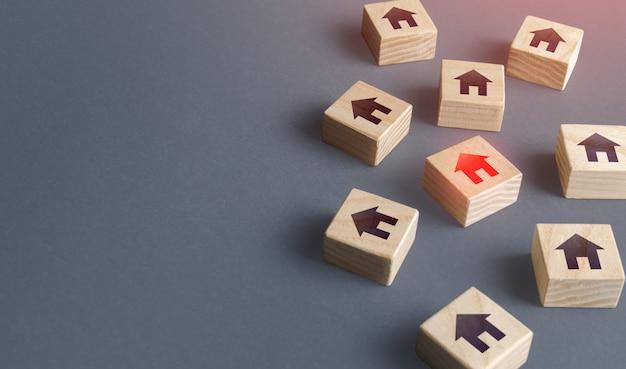 Verstreute blöcke mit häusern, die ein zuhause finden, um immobilien zu kaufen marktbewertung