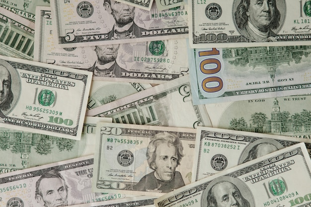 Verstreute dollarbanknoten als abstrakt nahtlos. getöntes bild