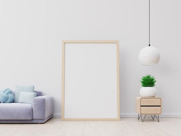 Vertikale leere holzrahmen des innenplakatmodells mit sofa und lampe