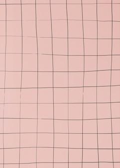 Verzerrtes gitter auf mattrosa tapete