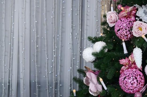 Verzierung des weihnachtsbaumabschlusses herauf dekorationbirne
