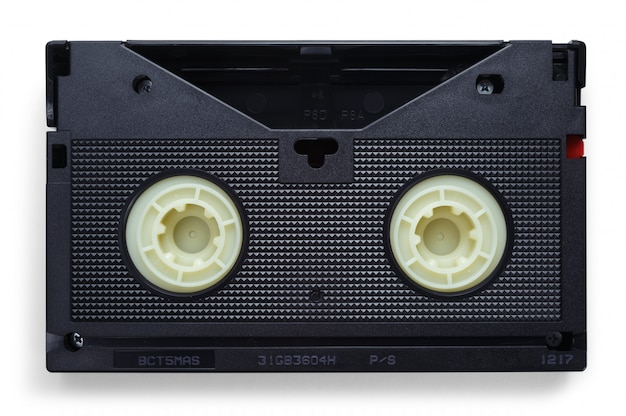 Vhs-videobänder auf weißem hintergrund