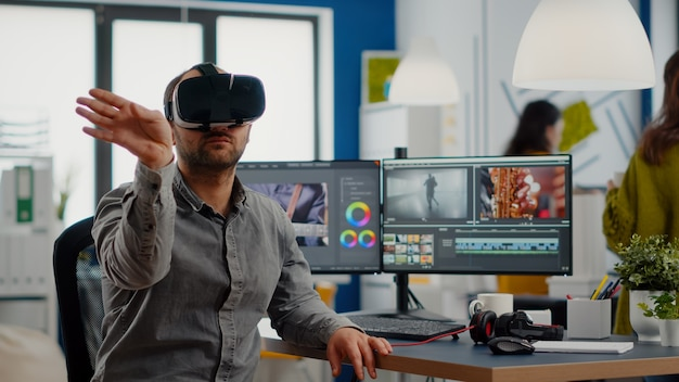 Video-editor, der ein virtual-reality-headset erlebt