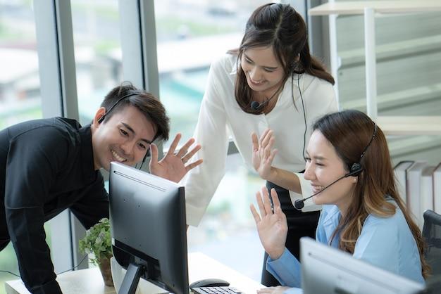 Video-telefonkonferenz zum asiatischen geschäftstreffen während der quarantäne covid19