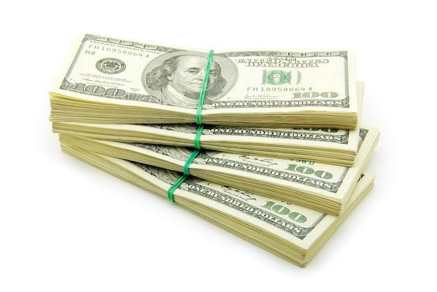 Viel geld isoliert auf weiß