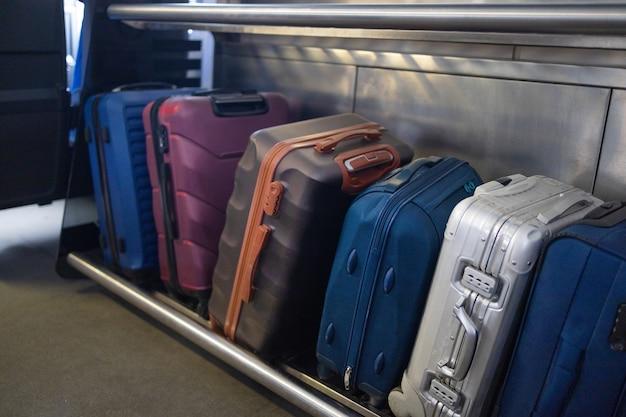 Viele arten von koffern und handgepäcktaschen