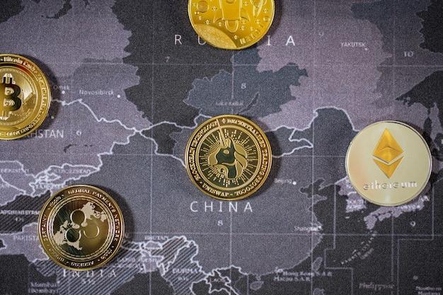 Viele cryptocurrency-bitcoins sind die zukünftige münze, neues virtuelles geld und das alter. die wachstumsrate der goldmünze ist die wichtige währung, um in der globalen weltzukunft alles zu bezahlen.