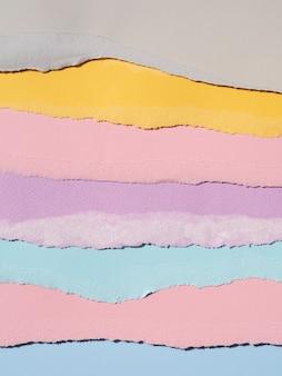 Vielfalt in zerrissenen abstrakten papierlinien