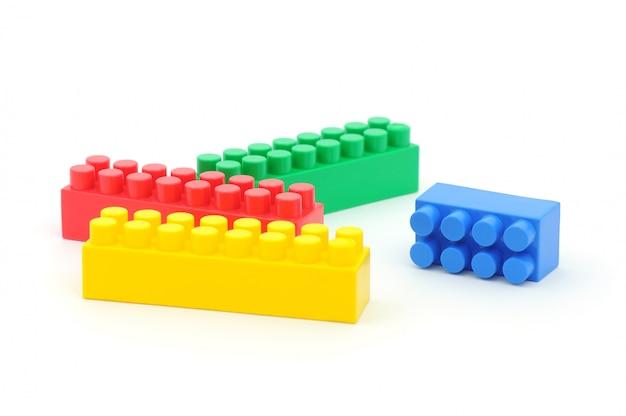 Vier plastikbausteine