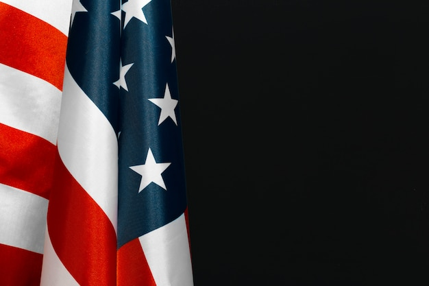 Vintage amerikanische flagge auf einer tafel